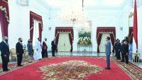 Presiden Joko Widodo saat menerima surat kepercayaan dari 7 duta besar luar biasa dan berkuasa penuh (LBBP) dari negara sahabat pada Rabu, 10 Juni 2020.