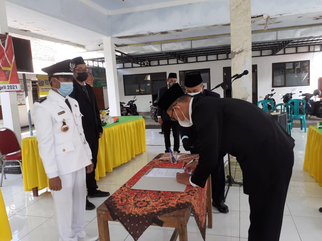 pelantikan perangkat desa Kedungrejo Jombang