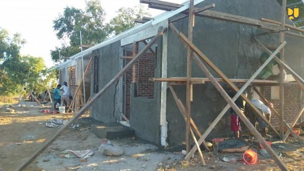 rumah korban banjir ntt