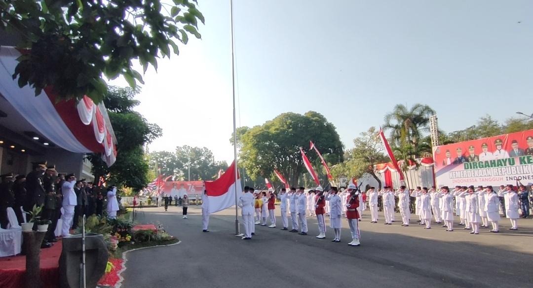 upacara bendera jombang